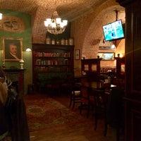 Foto diambil di Tap&Barrel Pub oleh Roman F. pada 1/3/2015