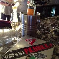 Foto tirada no(a) Plonk! Beer & Wine Bistro por David Lorms A. em 6/27/2013
