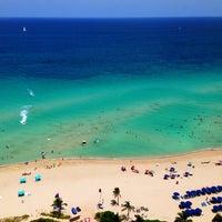 7/25/2013 tarihinde Beco B.ziyaretçi tarafından Trump International Beach Resort'de çekilen fotoğraf