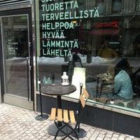 2/16/2013 tarihinde Patrick S.ziyaretçi tarafından SIS. Deli + Café'de çekilen fotoğraf