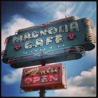 7/28/2013にBryan F.がMagnolia Cafe Southで撮った写真