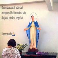 Foto diambil di Gereja Katolik Santa Theresia oleh Melc Agnes S. pada 12/13/2015