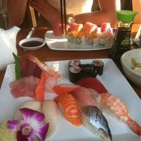 รูปภาพถ่ายที่ Sushi Itto โดย Anna K. เมื่อ 9/28/2012