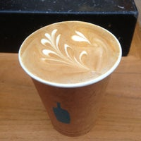 Foto scattata a Blue Bottle Coffee da Keita I. il 4/26/2013