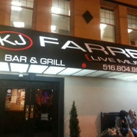 รูปภาพถ่ายที่ KJ Farrell's Bar & Grill โดย Danny W. เมื่อ 8/23/2013