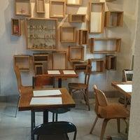 Das Foto wurde bei Otro Café von Alejandra R. am 3/18/2015 aufgenommen