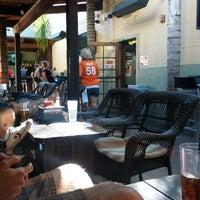 Foto diambil di True North Tavern oleh Kevin B. pada 9/30/2012