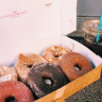 Снимок сделан в Underwest Donuts пользователем Tim M. 9/15/2015