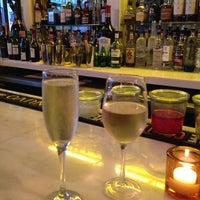 7/15/2013 tarihinde Joey L.ziyaretçi tarafından Le Midi Bar & Restaurant'de çekilen fotoğraf