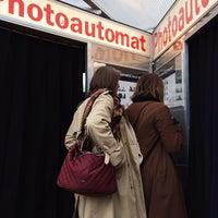 Foto tirada no(a) Photoautomat | Photo Booth por Margaret T. em 3/17/2014