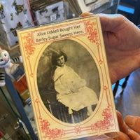 9/13/2020 tarihinde M T.ziyaretçi tarafından Alice's Shop'de çekilen fotoğraf