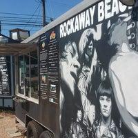 11/1/2016 tarihinde Rockaway Beach ATX Shaved Ice & Subsziyaretçi tarafından Rockaway Beach ATX Shaved Ice & Subs'de çekilen fotoğraf