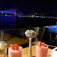 Снимок сделан в İnci Bosphorus пользователем Süheyli . 9/30/2019