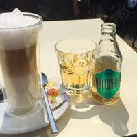 Das Foto wurde bei PLAZA café bistro bar von Malte P. am 5/16/2015 aufgenommen