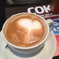 Das Foto wurde bei Caffè Nero von Özden H. am 2/4/2013 aufgenommen