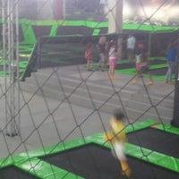 Foto tirada no(a) Jump Mania por Reges V. em 9/21/2014