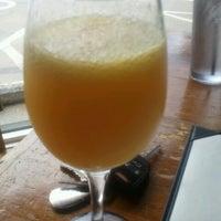 Photo prise au Eclectic Bistro & Bar par 《《Lamont》》 le11/4/2012