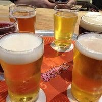 Das Foto wurde bei Sly Fox Brewing Company von Pamela K. am 1/5/2013 aufgenommen