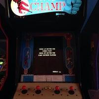 รูปภาพถ่ายที่ Arcade Comedy Theater โดย Kelsey M. เมื่อ 6/18/2014