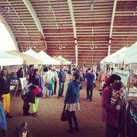 Foto tirada no(a) Mueller Farmers Market por Andi N. em 2/10/2013
