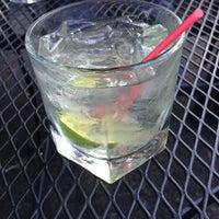 Foto tomada en Jackson's Bar & Bistro por Geneva S. el 4/7/2013