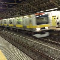 Foto tirada no(a) JR Yoyogi Station por F.Kit น. em 4/17/2013