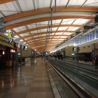 Foto tirada no(a) Raleigh-Durham International Airport (RDU) por G G. em 2/13/2013