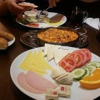 Das Foto wurde bei Bäckerei Karagöz von Cani ✌️ am 10/22/2014 aufgenommen