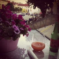 Снимок сделан в CupCakes Wien im mumok пользователем Nik S. 7/17/2013