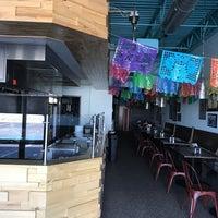 5/7/2017에 Gene B.님이 Burritos & Beer Mexican Restaurant에서 찍은 사진