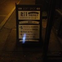9/30/2012에 Matt K.님이 Soft Spot Bar에서 찍은 사진