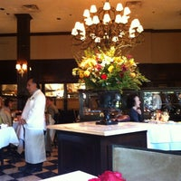 11/17/2012 tarihinde Erin M.ziyaretçi tarafından Cafe Pacific'de çekilen fotoğraf