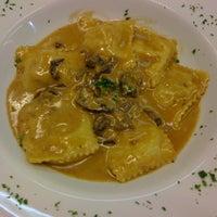 Foto scattata a Trattoria La Toscana da Valeria Soledad C. il 2/4/2013