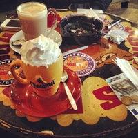 Foto tomada en Hunter's Coffeeshop por Zameer Z. el 4/7/2013