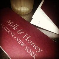 Das Foto wurde bei Milk & Honey von Cinzia N. am 6/29/2013 aufgenommen