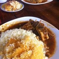 Das Foto wurde bei Restaurante Seco De Pato von Angelita C. am 12/29/2013 aufgenommen