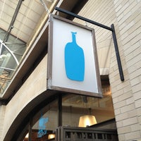 Foto scattata a Blue Bottle Coffee da Zeke F. il 2/28/2013