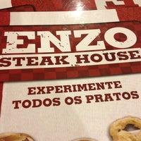 รูปภาพถ่ายที่ Enzo SteakHouse โดย Thiago F. เมื่อ 4/14/2013