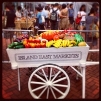 Foto scattata a Tong Chong Street Market da Valerie C. il 9/15/2013