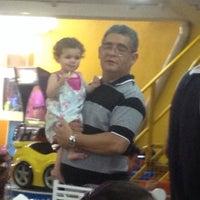 Foto tirada no(a) Buffet Arca Da Fuzarka por Guilherme L. em 10/12/2014