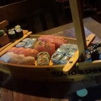 Foto tirada no(a) Kumo Sushi por Gabriel C. em 1/10/2015