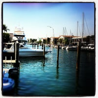 11/24/2012にJonathan B.がBimini Boatyard Bar & Grillで撮った写真