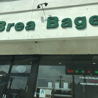 Photo prise au La Brea Bagel par PIC le8/21/2018