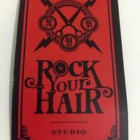 Снимок сделан в Rock Your Hair Studio пользователем Daniel M. 4/12/2015