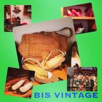 2/23/2013 tarihinde FABstylistika | The Vintage Peopleziyaretçi tarafından Bis Vintageclothing'de çekilen fotoğraf