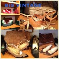 2/17/2013 tarihinde FABstylistika | The Vintage Peopleziyaretçi tarafından Bis Vintageclothing'de çekilen fotoğraf