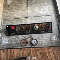 Foto scattata a Burger Bucks da Fahri Ç. il 5/2/2018