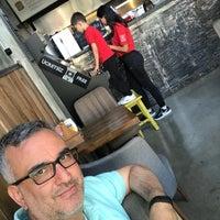 Photo prise au Burger Bucks par Fahri Ç. le5/2/2018