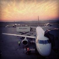 Foto scattata a Aeroporto Internacional de Confins / Tancredo Neves (CNF) da Claudia T. il 5/16/2013