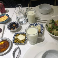 Foto scattata a Seraf Restaurant da Memet il 5/10/2019
